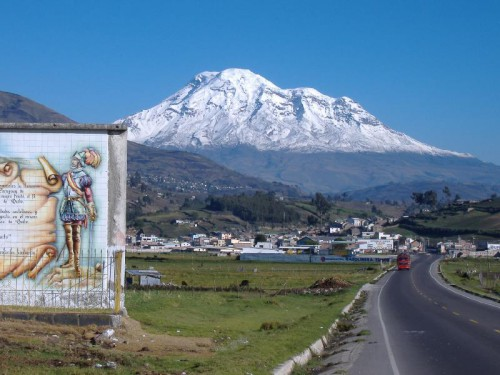 Chimborazo_seen_from_highway.jpg